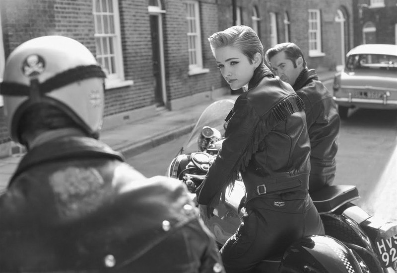 Красивая-Байкерша-Британия-1980