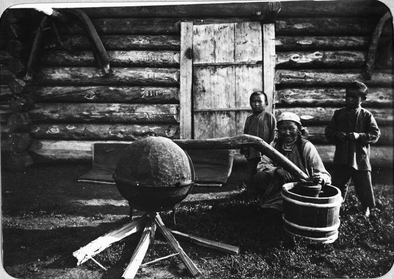 Приготовление-тарасуна-Якутия-19 век