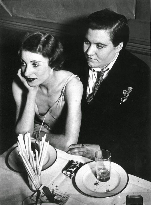 Лесбийская пара. Париж, 1932 год