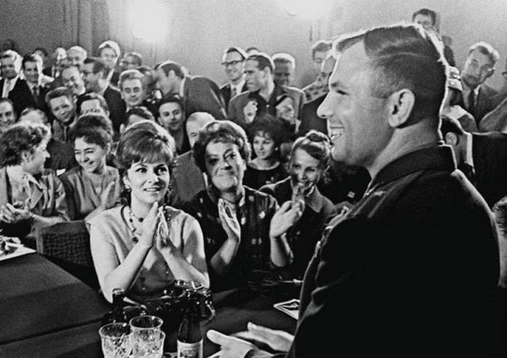 Юрий Гагарин и Джина Лоллобриджида, 1961